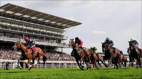 Moyenne Corniche won the Ebor Handicap on the final day of the Festival at York
