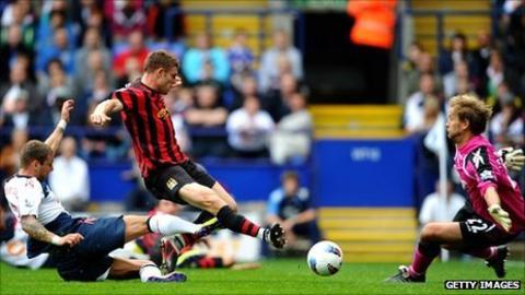 Jaaskelainen saves Milner's attempt