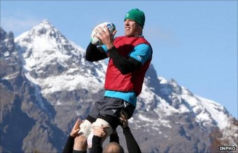 Paul O'Connell trains in Queenstown