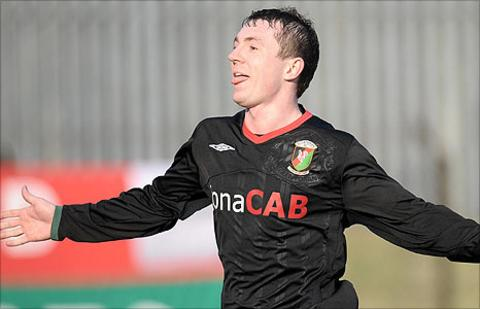 Matty Burrows has returned to Irish Premiership club Glentoran