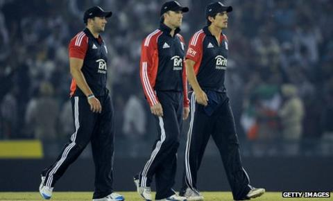 Tim Bresnan, Graeme Swann, Alastair Cook