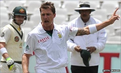Dale Steyn celebrates the wicket of Shane Watson