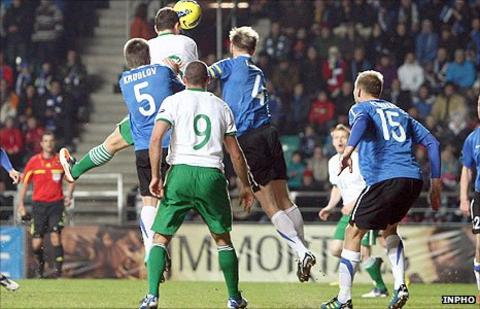 Keith Andrews heads the Republic of Ireland into a 13th minute lead against Estonia