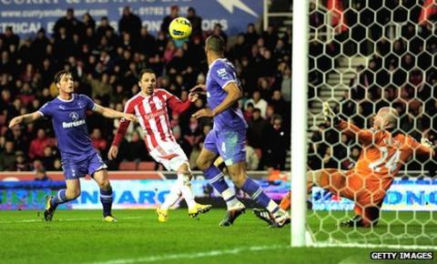 Matthew Etherington doubles Stoke's lead against Tottenham