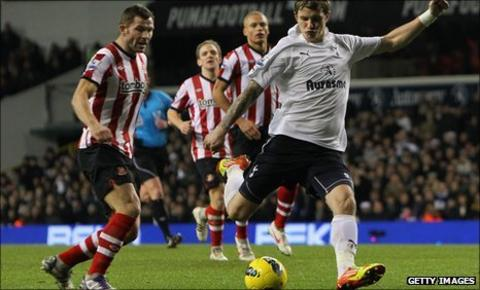 Roman Pavlyuchenko fires Tottenham ahead at White Hart Lane