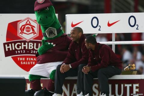 Thierry Henry, Ashley Cole, Gunnersaurus