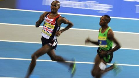 Mo Farah wins the 1500m in Glasgow