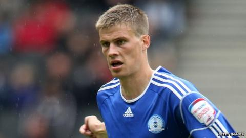 Norwich City complete the signing of England U21 defender Ryan Bennett