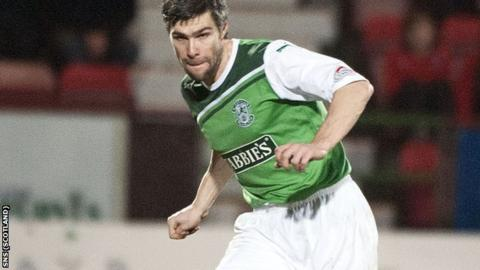 Hart last played for Hibs in a 3-2 defeat by St Johnstone