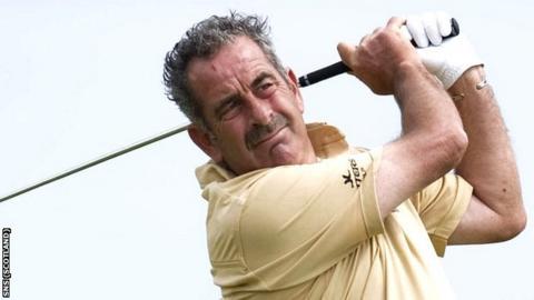 Scottish golfer Sam Torrance