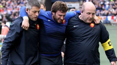 Maxime Medard limps off for France against Scotland