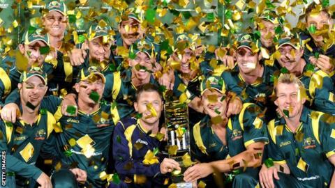 Australia celebrate their tri-series win