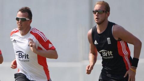 Graeme Swann and Stuart Broad