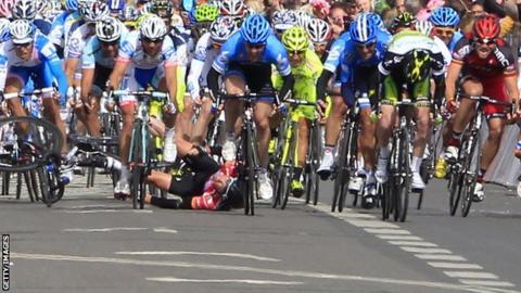 Britain's Mark Cavendish crashes