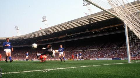 Ian Rush scoring the winner in 1989 FA Cup final