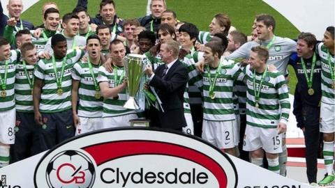 Celtic lift the Scottish Premier League trophy