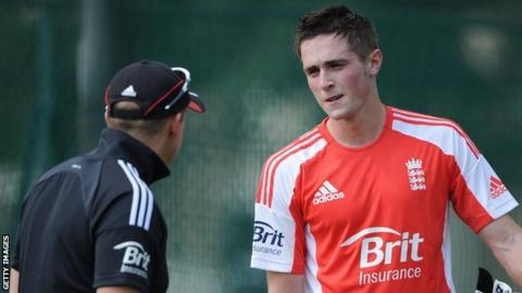 Chris Woakes (right) with England team director Andy Flower