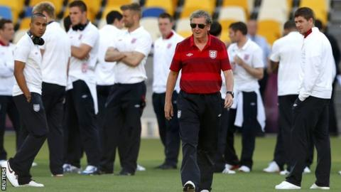Roy Hodgson with his England squad