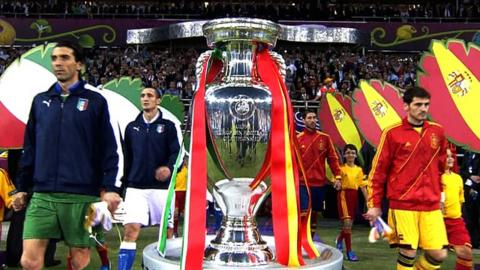 Italy and Spain teams come out for the Euro 2012 final