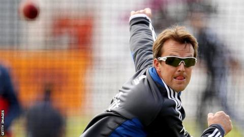 Graeme Swann bowls during a nets session