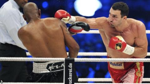 Wladimir Klitschko (right) lands a punch on Tony Thompson
