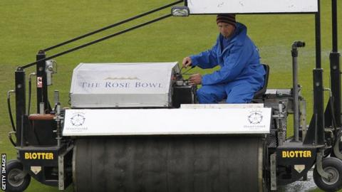 Rain delays Hampshire against Yorkshire
