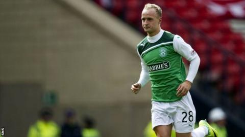 Leigh Griffiths in action for Hibernian at Hampden in the Scottish Cup semi-final