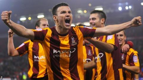 Simon Ramsden in action for Bradford