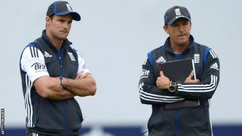 Andrew Strauss (left) and Andy Flower (right)