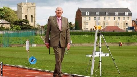 Roger Bannister at Iffley Road