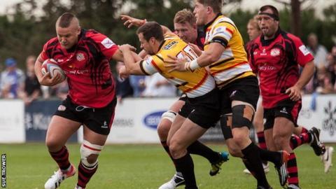 Richard Barrington runs against Pirates