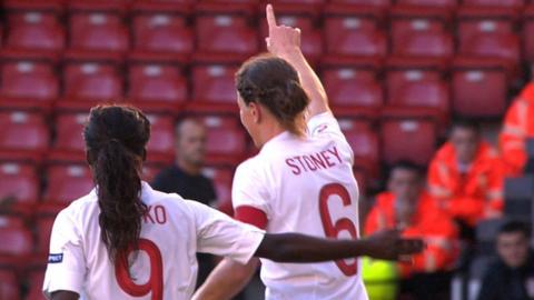 Eni Aluko (l) and Casey Stoney