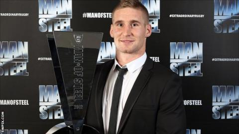 Wigan Warriors full-back Sam Tomkins with his 2012 Man of Steel award
