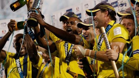 Hampshire celebrate winning the 2012 FL t20
