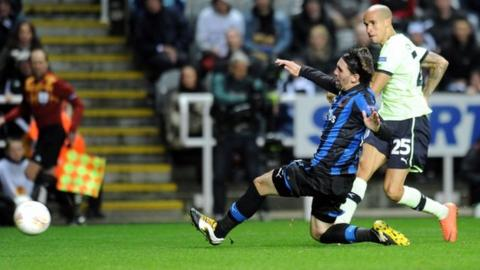 Gabriel Obertan scores for Newcastle