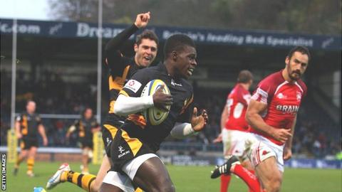 Christian Wade scores against London Welsh