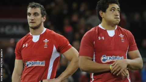 Sam Warburton and Tony Faletau following defeat by Samoa