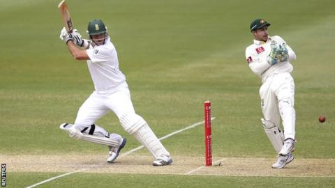 Graeme Smith en route to his century