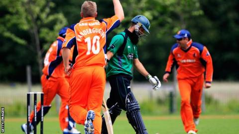 Netherlands playing Worcestershire in the 2012 CB40