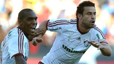 Fluminense's Fred (R) celebrates with Digao