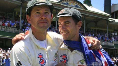 Ricky Ponting and Justin Langer celebrate Ashes victory in 2007