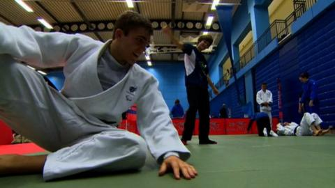 A potential Paralympian tries out judo
