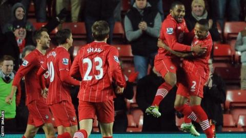 Southampton celebrate winner over Reading