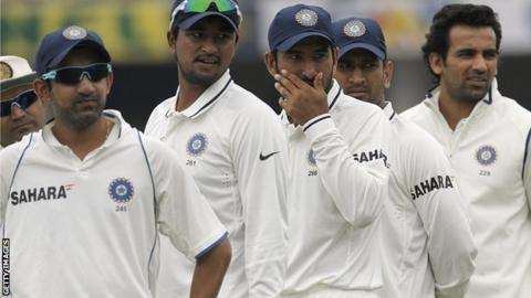 India cricketers Gautam Gambhir, Pagnayan Ojha, Cheteshwar Pujara, captain Mahender Singh Dhoni and Zaheer Khan