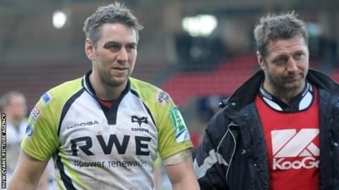 Ryan Jones and Ian Gough are dejected after the Ospreys' defeat in Toulouse