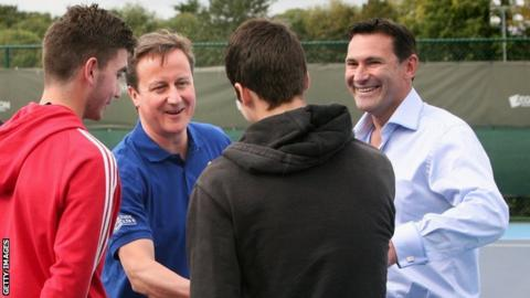 Roger Draper (right) with David Cameron