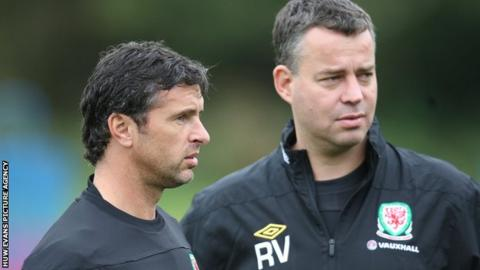 Gary Speed and Raymond Verheijen in 2011