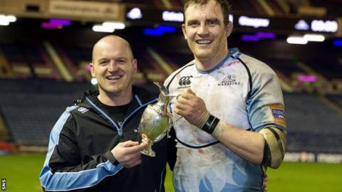 Glasgow coach Gregor Townsend and captain Al Kellock with the 1872 Cup