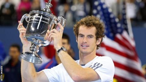 Andy Murray lifts the US Open trophy