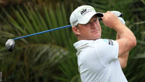 Jamie Donaldson keeps his eyes on the ball